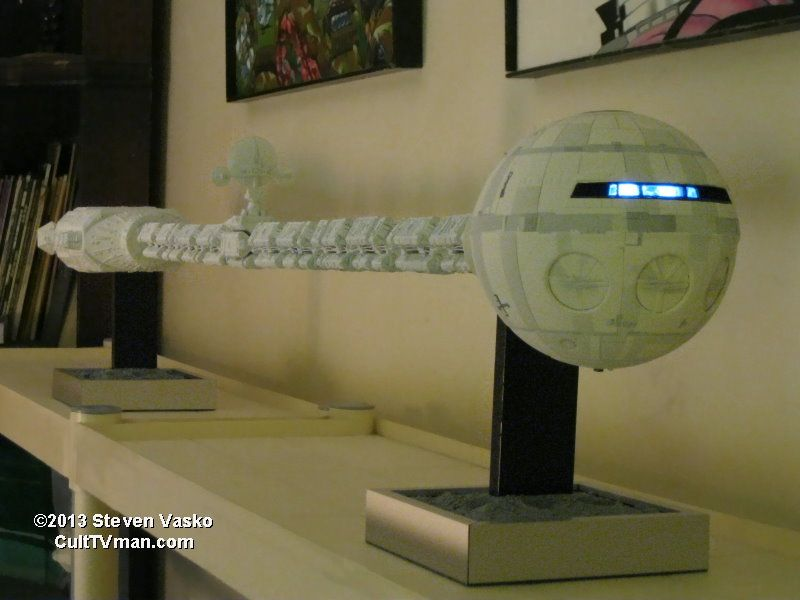 2001: A Space Odyssey 1:72 Scale Discovery One Model ...