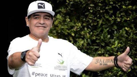 مارادونا وتوتي ورونالدينهو في مباراة من أجل السلام بالملعب الأولمبي - الشرق الاوسط