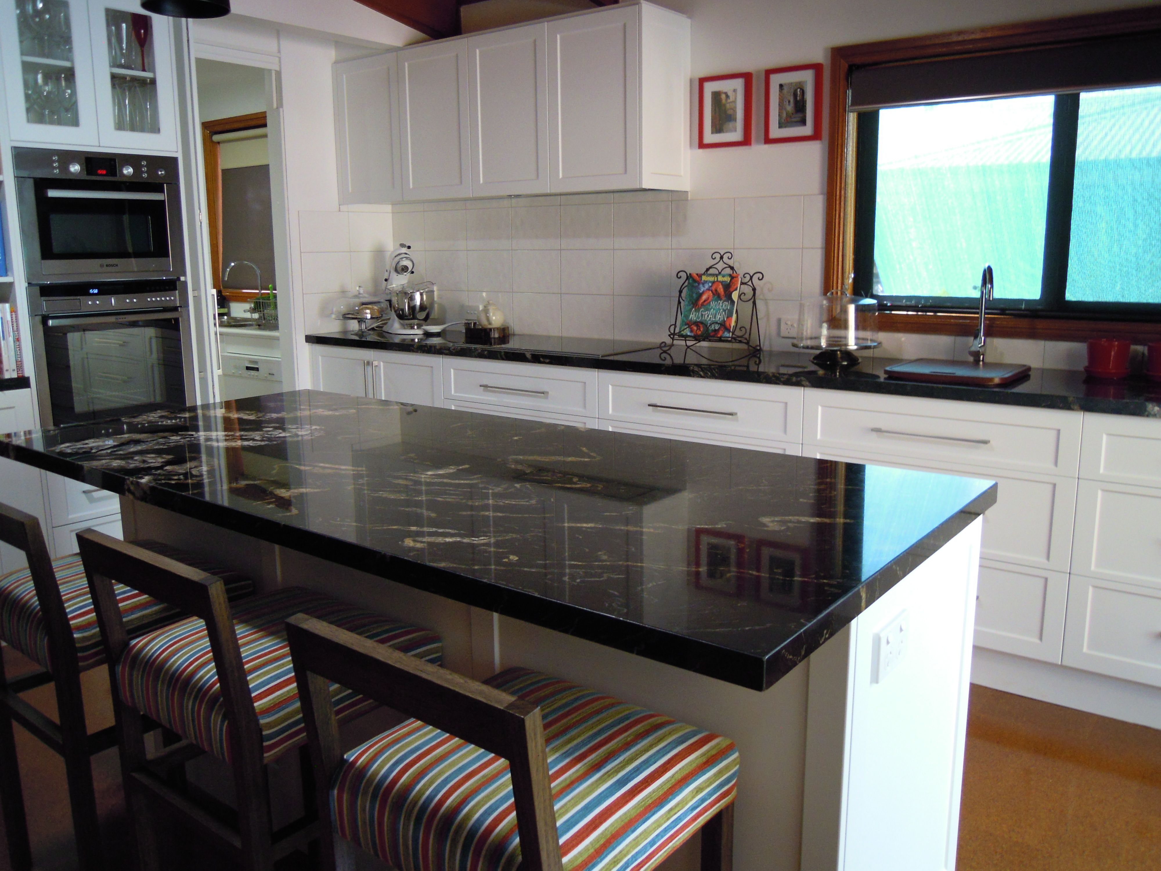 Kitchen Features Granitetitanium Benchtops Formica Vinyl Wrap Settler Doors In Colour Snowdrift With A Pearl Finish