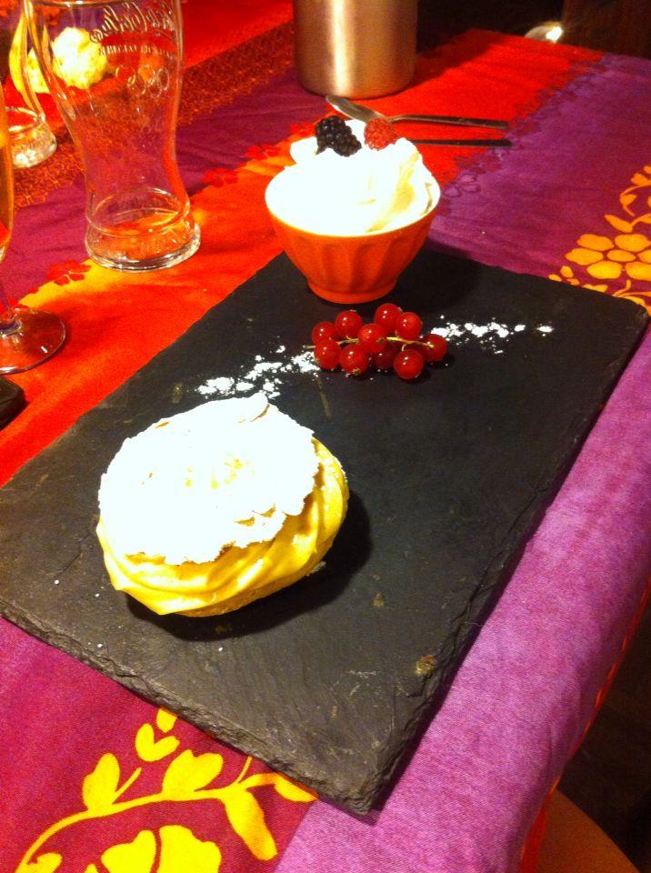 Paris brest dessert à l'assiette