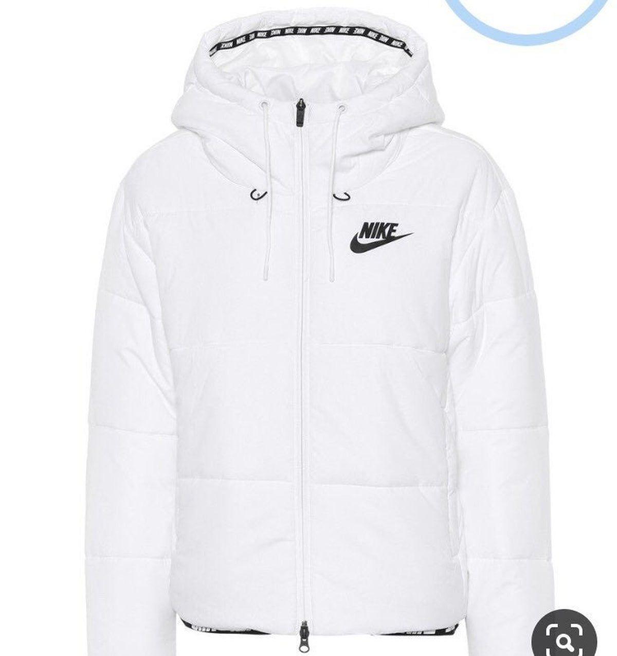 Pin By Vi Mik On Cloth Nike Jackets Women Nike Coats Nike Outfits [ jpg ]