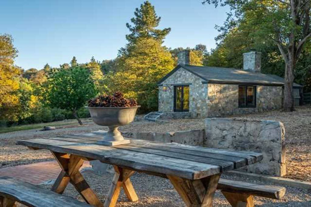 Stone Acres Alpine Retreat In Southern California Houses For Rent In Julian California United States Renting A House California Homes Stone Cabin