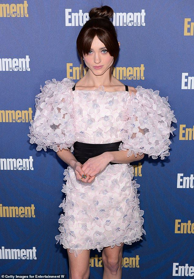 Stranger Things' Natalia Dyer with Charlie Heaton for SAG ...