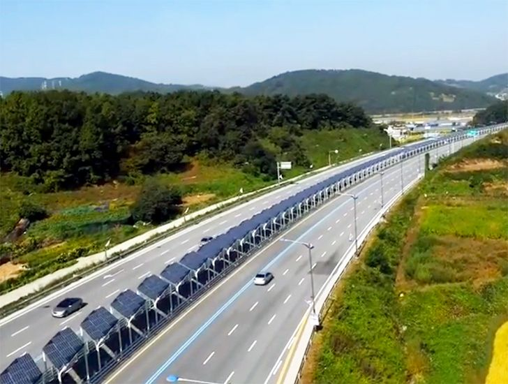You Are Looking At A New Highway In Korea In The Middle Separating The Two Lanes Of Traffic Is A Protected B Solar Projects Solar Panels Solar Energy Panels