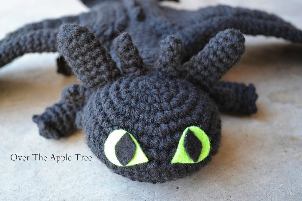 Toothless Dragon Amigurumi Pattern : Crochet toothless from how to train your dragon over the apple