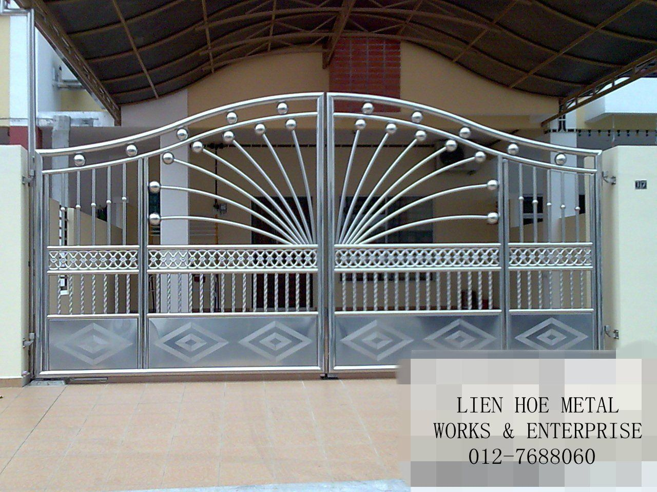 Metal gate designs google search metal gates for Modern house grill design