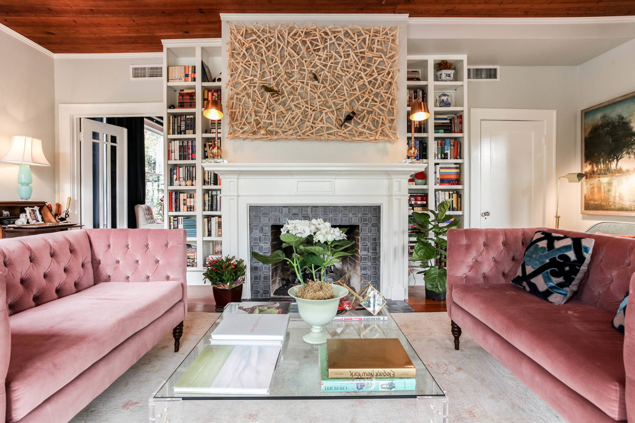 Edle Couchgarnituren 46 Picture Perfect Living Rooms - Home Awakening | Pink Sofa Living Room, Pink Sofa Living, Perfect Living Room