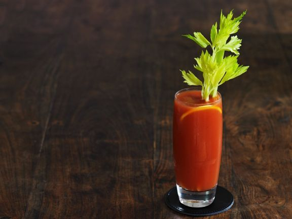 Bloody Mary | Recipe | Gesund kochen mit EAT SMARTER | Pinterest on