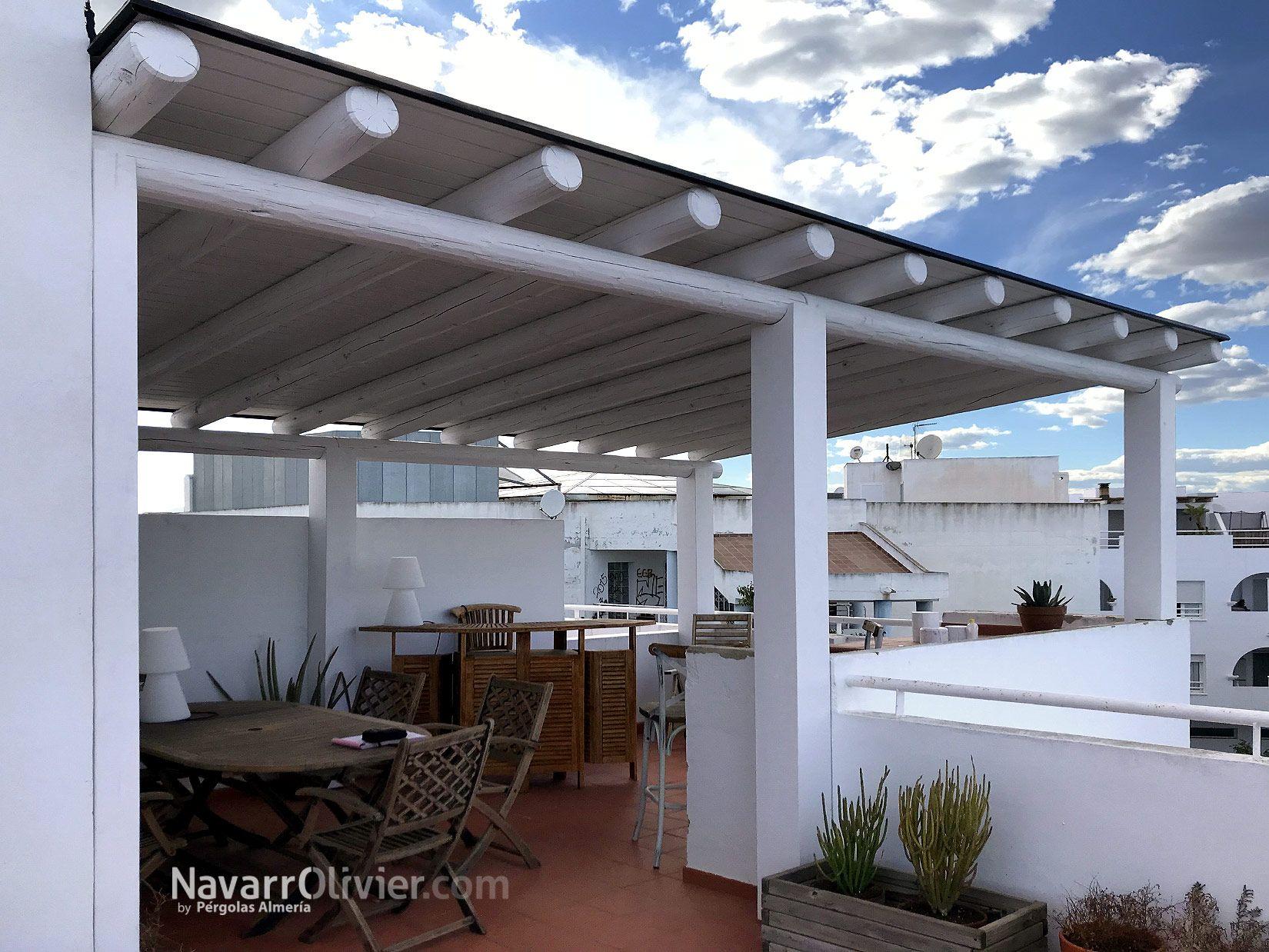 P rgola para tico en puerto rey vera estructura estilo vintage con pilares en madera laminada - Pergola terraza atico ...