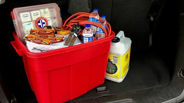 25 Things Your Vehicle's Winter Survival Kit Needs #wintersurvivalsupplies 25 Things Your Vehicle's Winter Survival Kit Needs #wintersurvivalsupplies