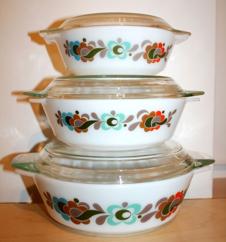 Vintage Kitchen Bowls: Vintage Carnaby / Tempo Pyrex Casserole