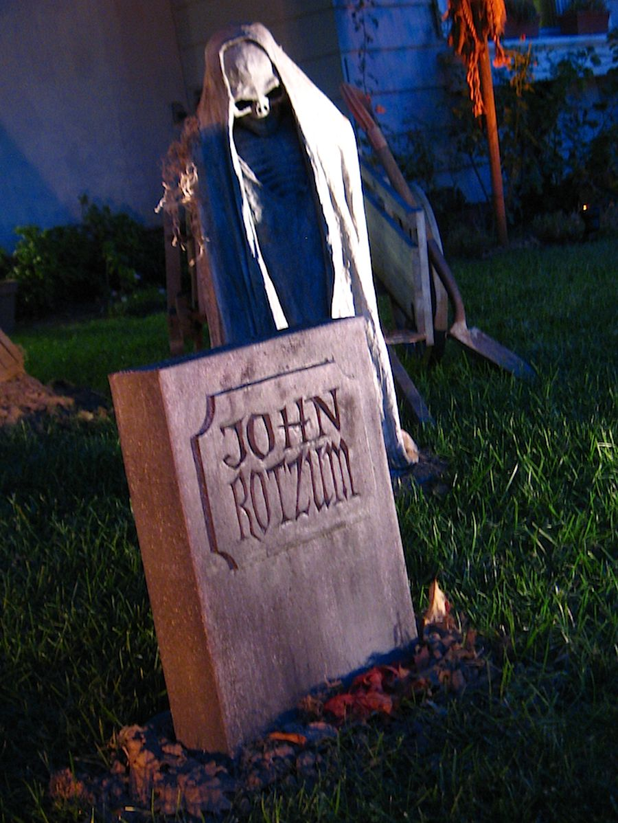 DAVE LOWE DESIGN the Blog 14 Days \u0027til Halloween Fed-Ex Box - Halloween Graveyard Decorations