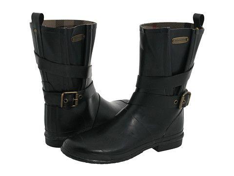 Y para las lluvias... Unas lindas botas estilo motociclista, me encantan!! Burberry Mid Buckle Rainboot