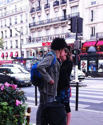 A Kiss Is Still A Kiss In Paris With Images Paris Kiss Be Still