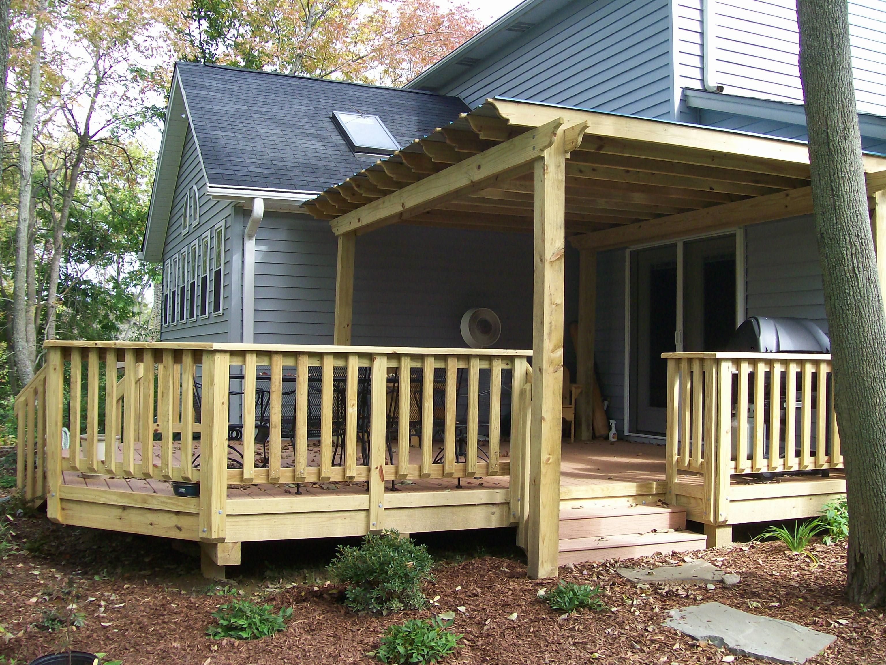 Best deck railing ideas for your home interior modern and for Wooden front porch designs