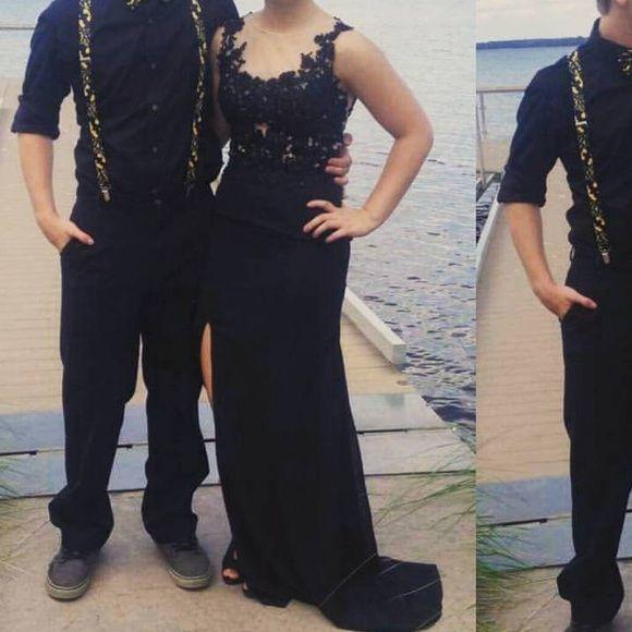 Sale! Beautiful black dress $175... Worn one. Size 2-4 Dresses Prom