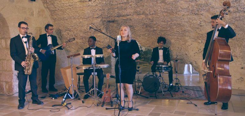 Hire Female Singer With Band Wedding Party Band Bari Italy Wedding Entertainment Female Singers Singer Wedding Entertainment