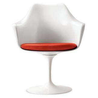 Saarinen Tulip Armchair Designed By Eero Saarinen For Knoll Tulip Armchair Armchair Design Saarinen