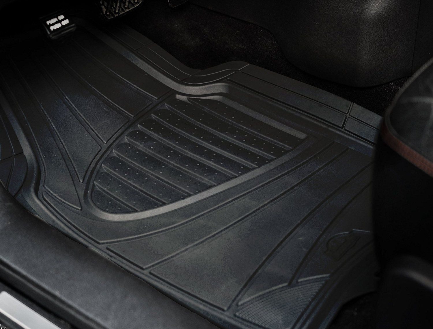 third row acadia rubber ideas flooring mats gmc premium floor inspiration all chairs and ebony weather captains
