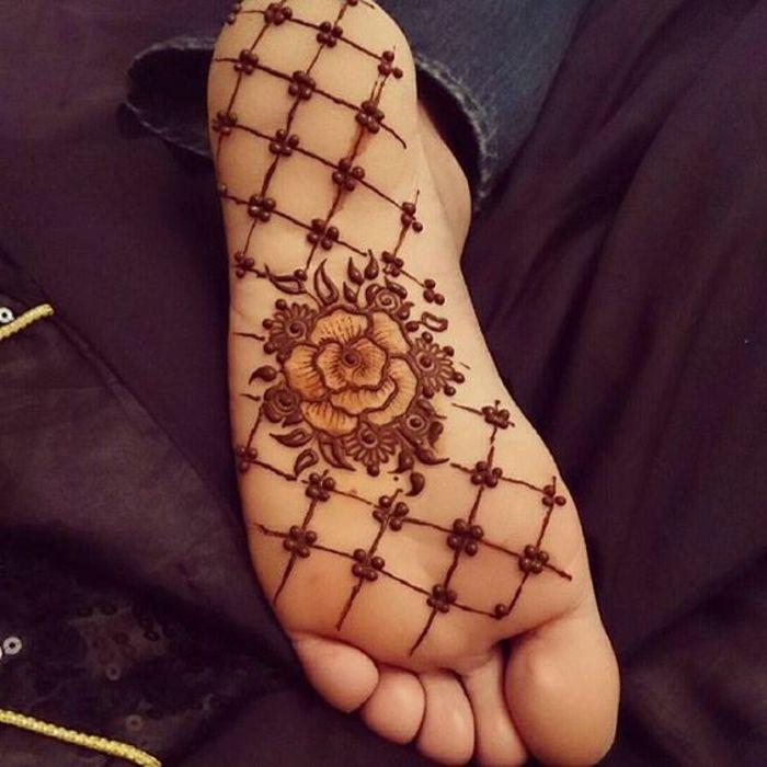 1001 id es de henn pied pour magnifier votre look tatoo hennas and henna mehndi. Black Bedroom Furniture Sets. Home Design Ideas