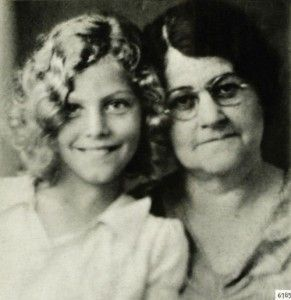 Ava Gardner at a young age with her mother.