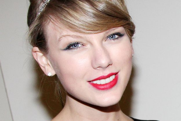 Taylor Swift Weight Height Body Shoe Size Data Selena And Taylor Taylor Swift Taylor Alison Swift