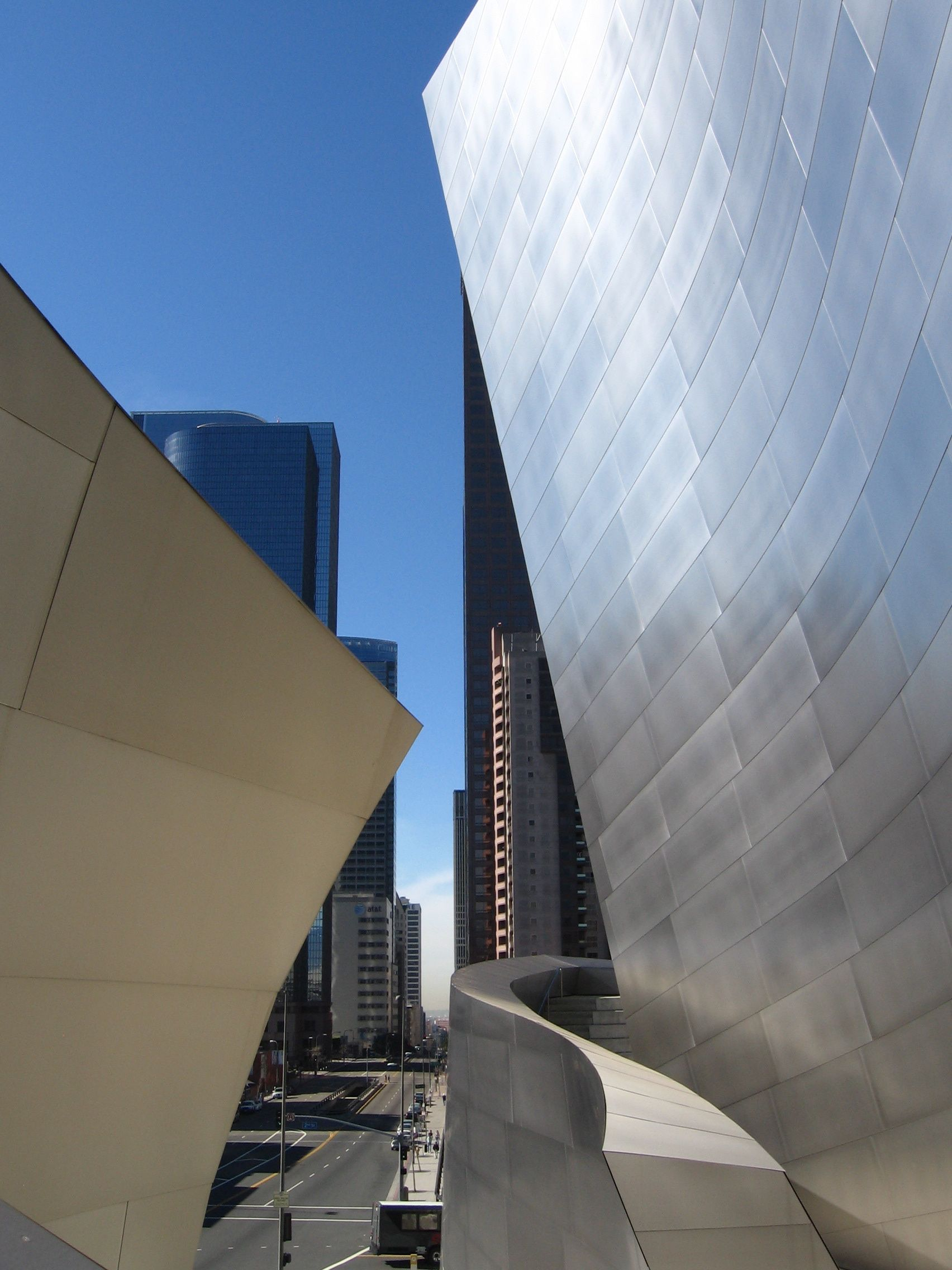 Walt Disney Music Hall By Gehry In Downtown Los Angeles As Featured Money Movies Magic More Scenic Us Car Drive Article On Journeylism Nl