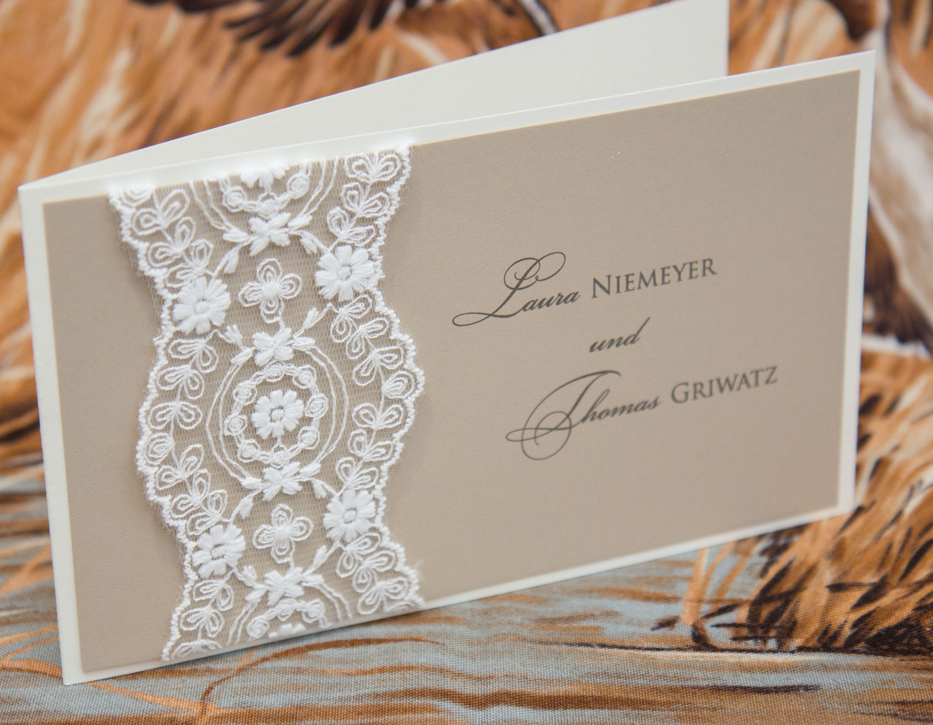 Einladungskarte Hochzeit Lila