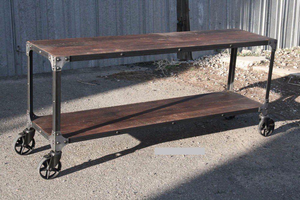 Mesa Hierro Con Ruedas Industrial 19 500 00 Muebles Industriales Clásicos Muebles De Metal Mesas Para Tv