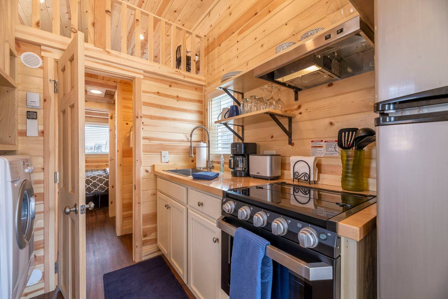 20 Tiny Houses In Colorado You Can Rent On Airbnb In 2020 In 2020 Tiny Houses For Rent Tiny Cottage Tiny House Rentals
