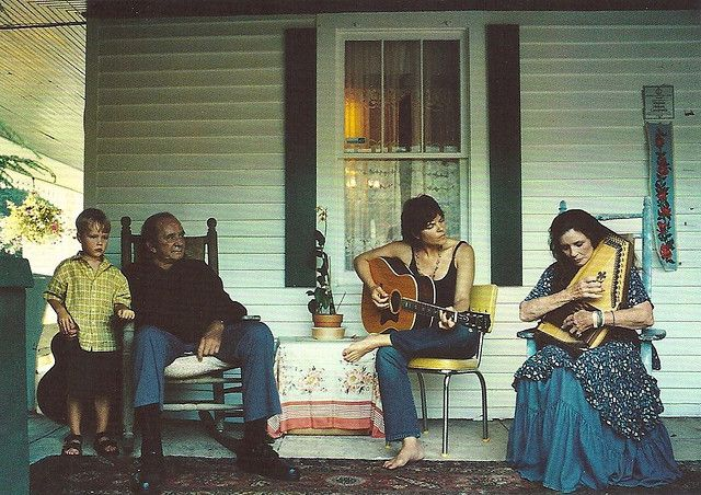 Johnny Cash & June Carter + family, Photo by annie leibovitz
