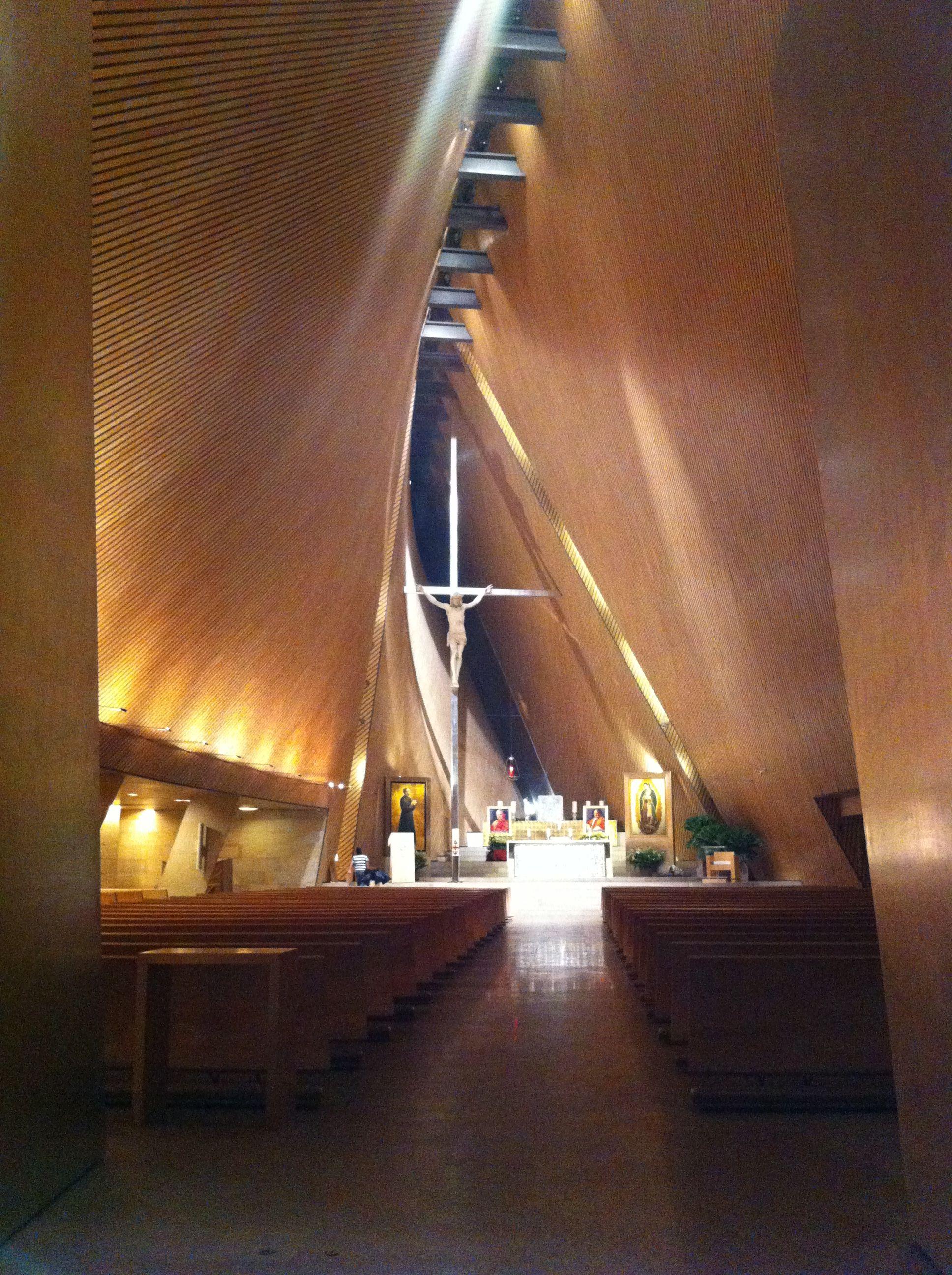 Iglesia San Jose Maria Escriv Saad acstica