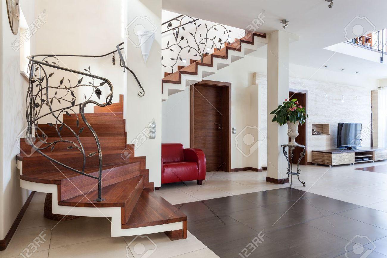 resultado de imagen de imagenes de escaleras clasicas de interior