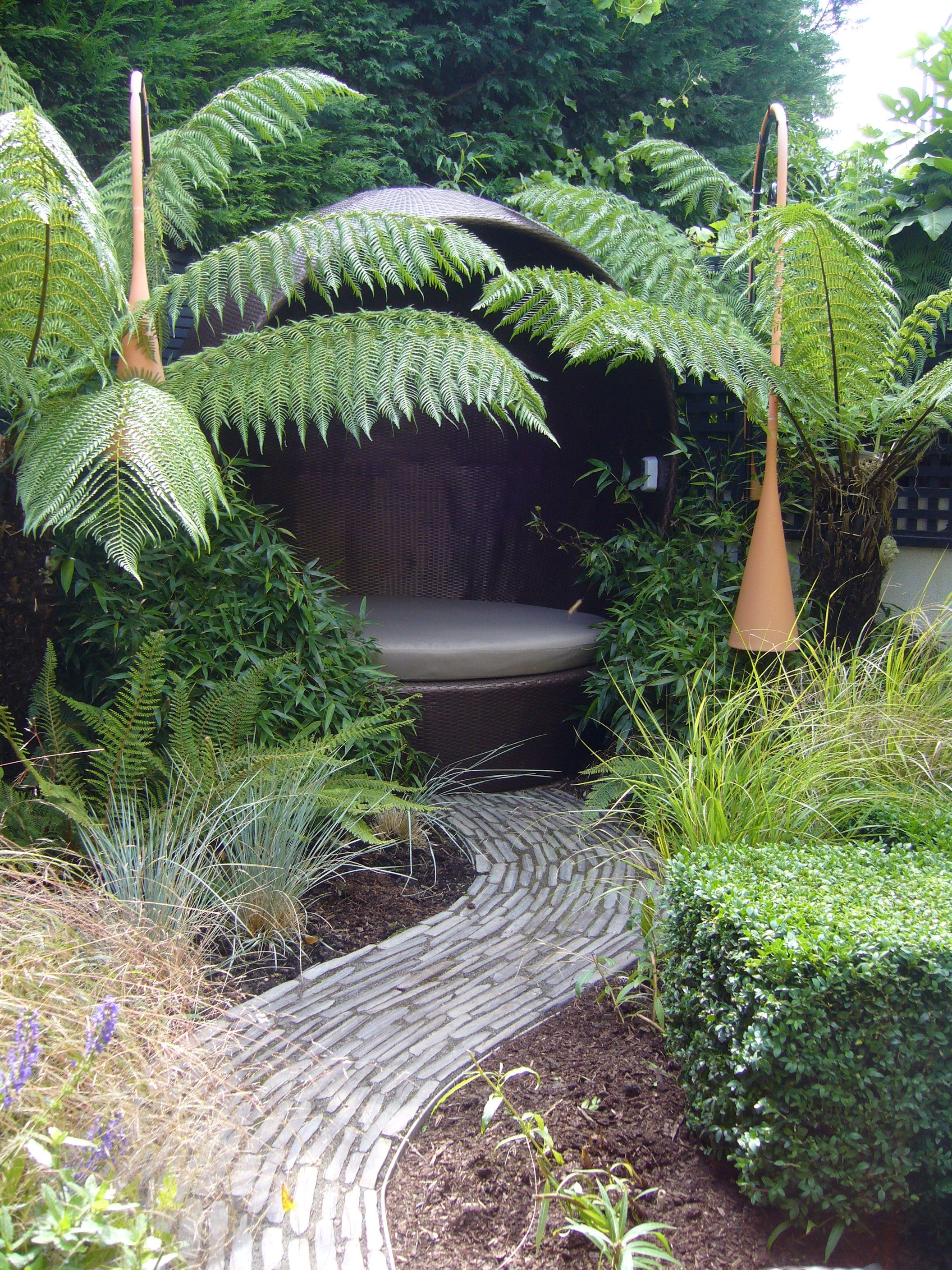 This contemporary Victorian garden based in Essex won Aralia