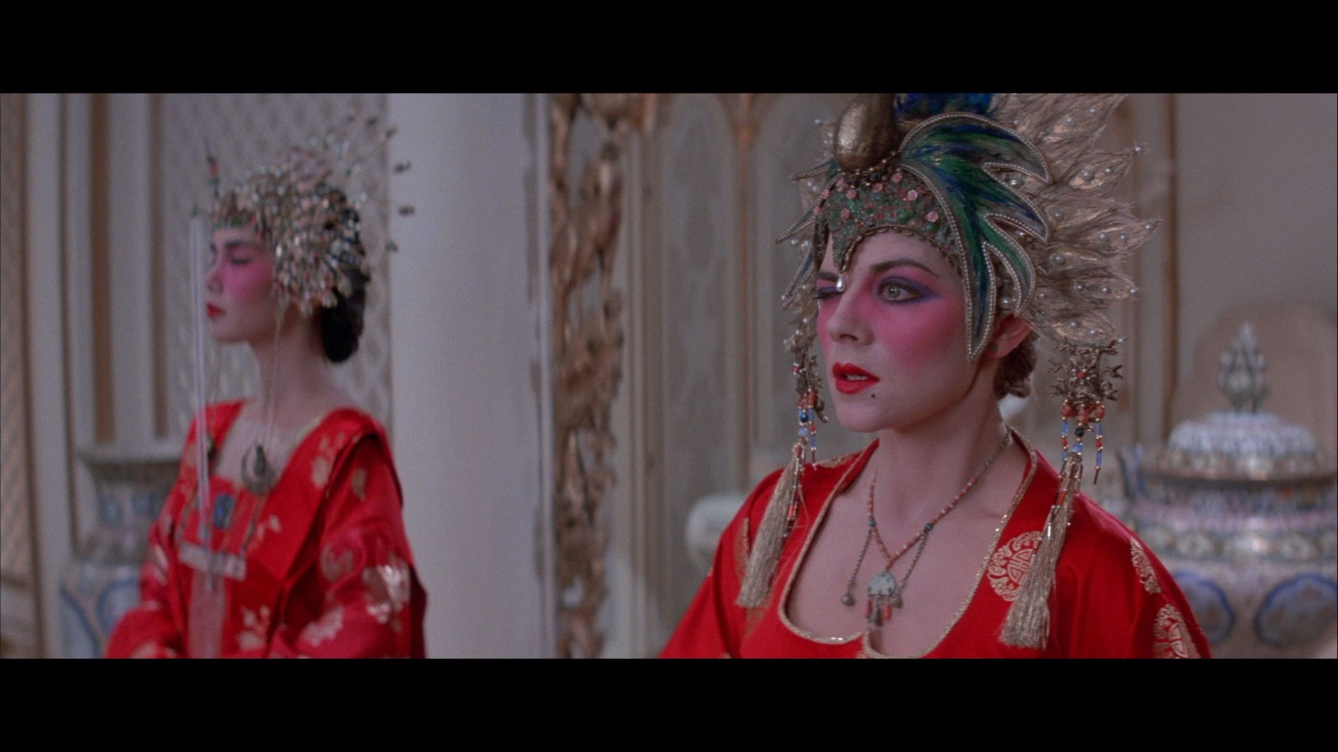 2 Girls With Green Eyes Kim Cattrall Girl With Green Eyes