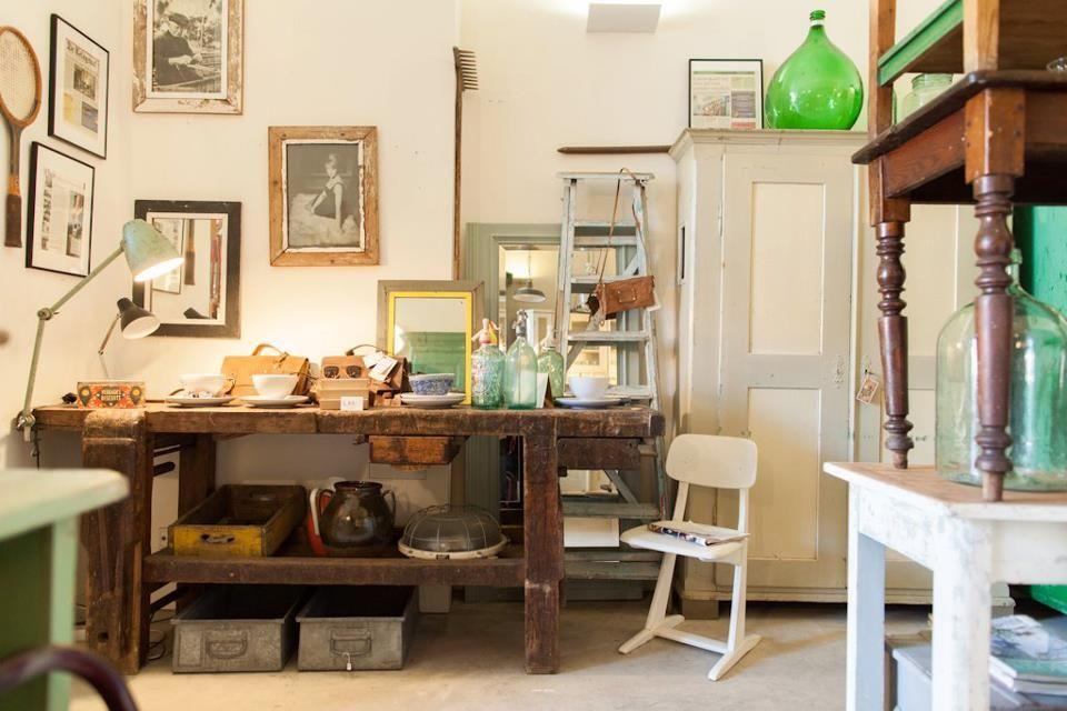 Orginele houten vintage meubels hout en nieuw marnixstraat