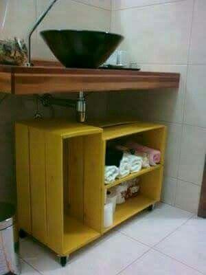 Muebles con huacales para bano