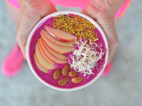 Athlete Food: The Dragon Fruit Smoothie Bowl #athletefood