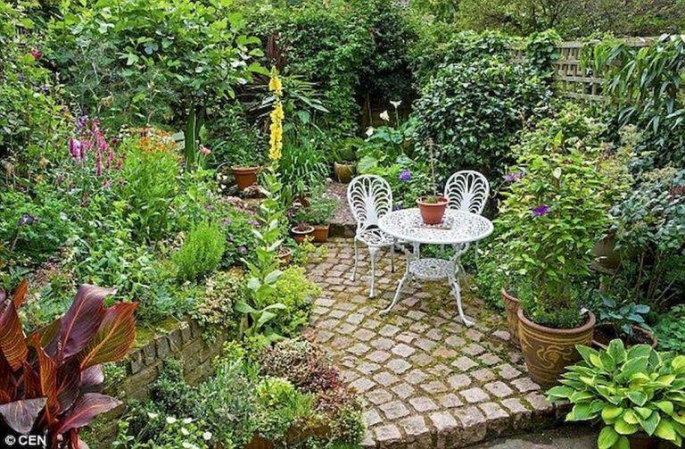 Beautiful Small Cottage Garden Design Ideas 70 Small Courtyard
