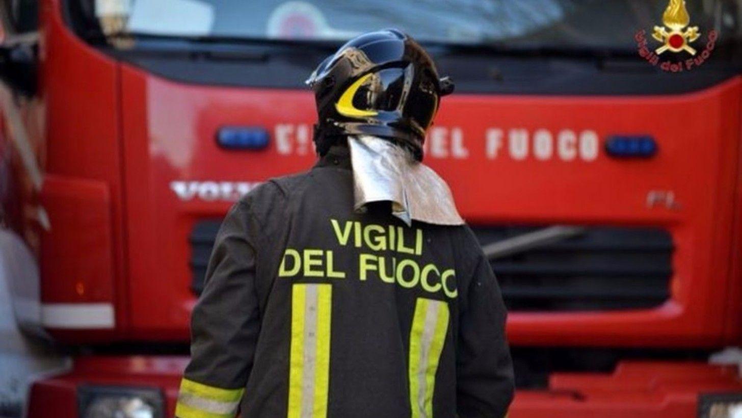 Risultati immagini per dei vigili del fuoco