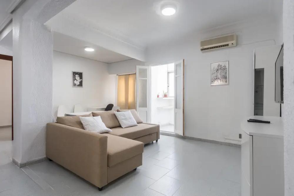 Casa Apto Entero En Valencia Espana Apartamento Entero Muy Luminoso Y Tranquilo Piso Interior A 200 M Alquiler Apartamentos Piso Interiores Apartamentos