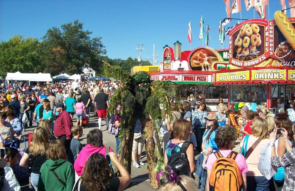 11 Festivals In Wisconsin That Food Lovers Should Not Miss Fall Festivals Near Me Cranberry Festival Wisconsin Food