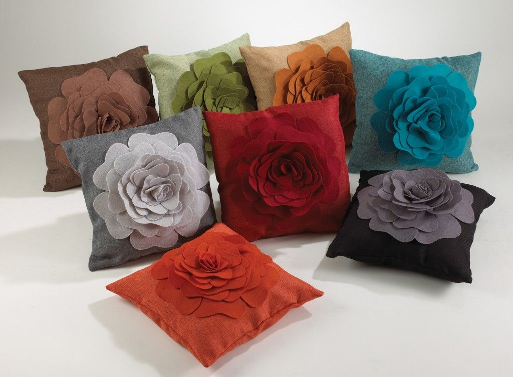 Emejing Eva S Fleurs De Jardin Pillow Collection Gallery ...