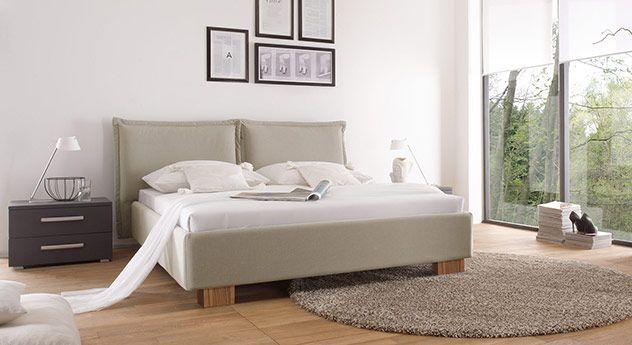 Modernes Doppelbett mit schönem Leinen-Bezug. 5 Farben stehen zur ...