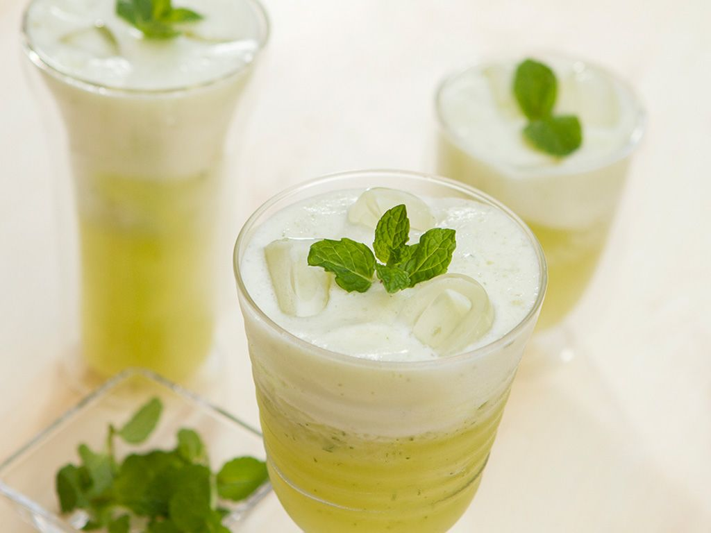 Dieta da noiva: Suco de abacaxi turbinado para secar a barriga | Suco detox abacaxi, Suco detox receita, Receita de sucos