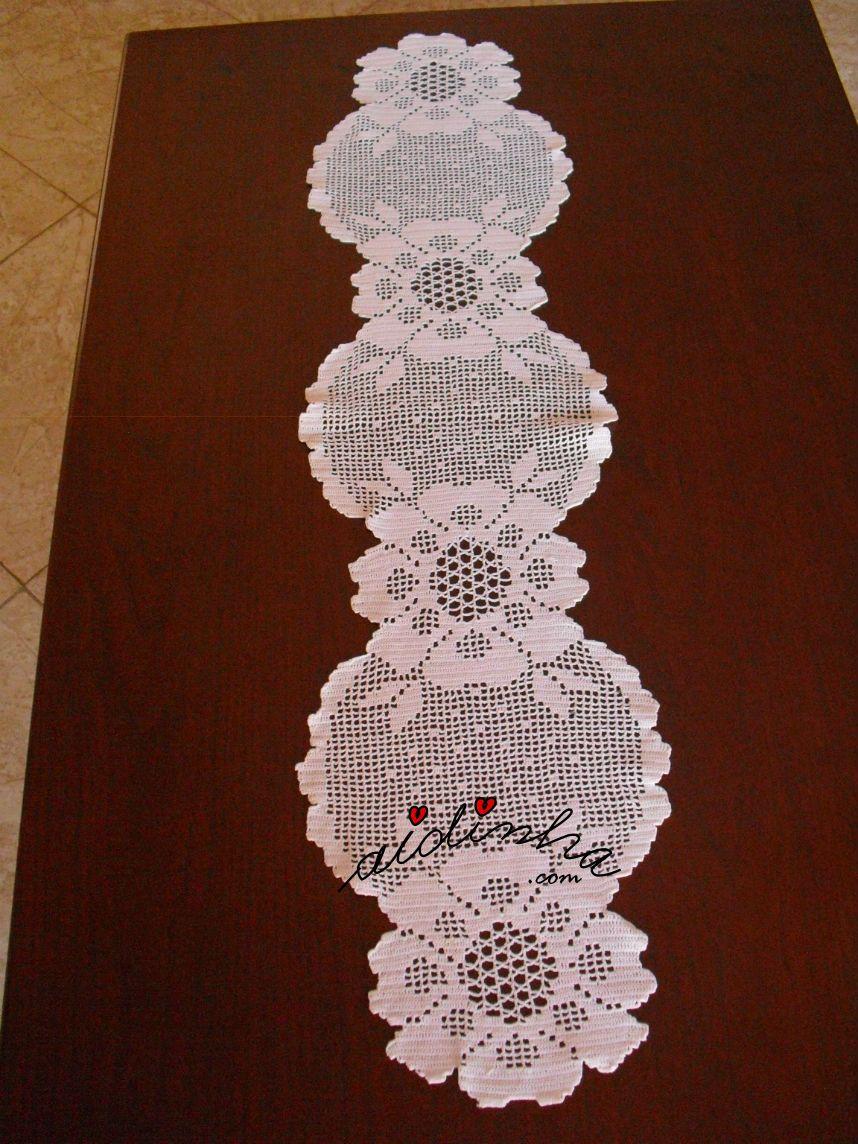 Outra vista do naperon de crochet branco caminhos de - Centros de mesa de ganchillo ...