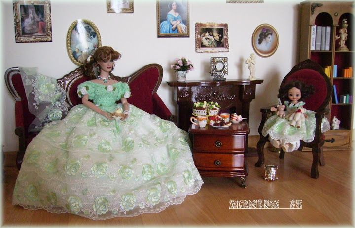 My crochet gown for tonner dolls - Monika St - Picasa Web Albums