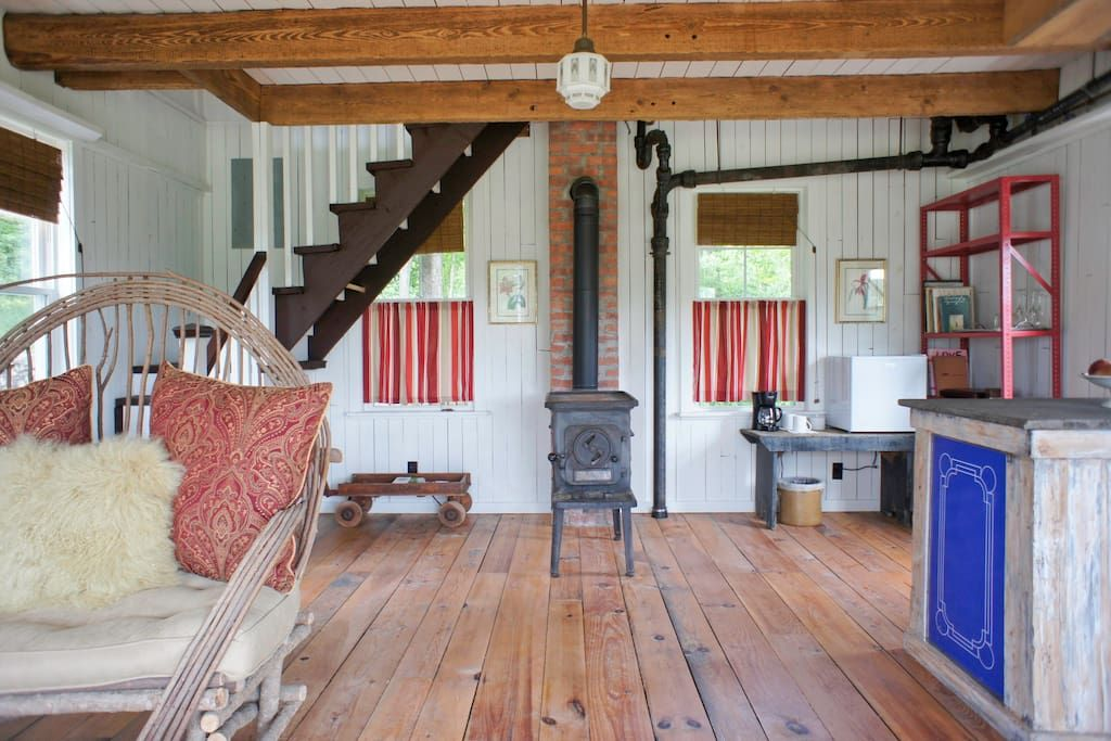Stylish Guest House Mountain Views Guesthouses For Rent