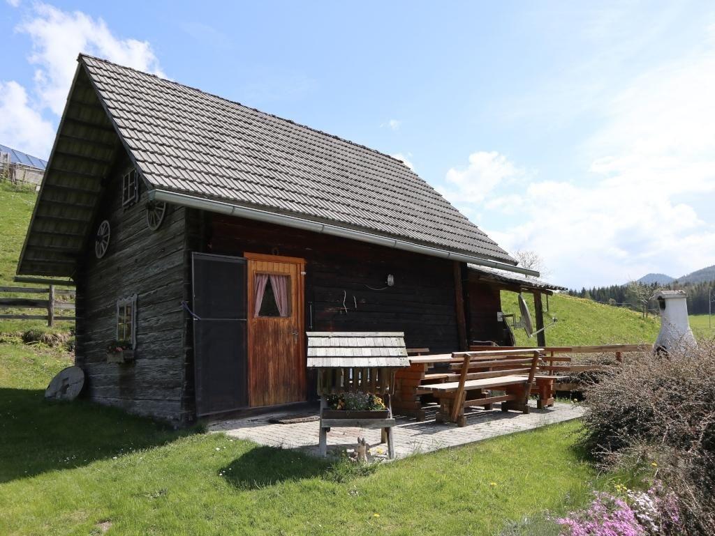 Alte Muhle In Der Waldheimat Selbstversorgerhutte Fur 1 4 Personen Auf Der Terrasse Sitzen Alte Muhle Selbstversorgerhutten Wald