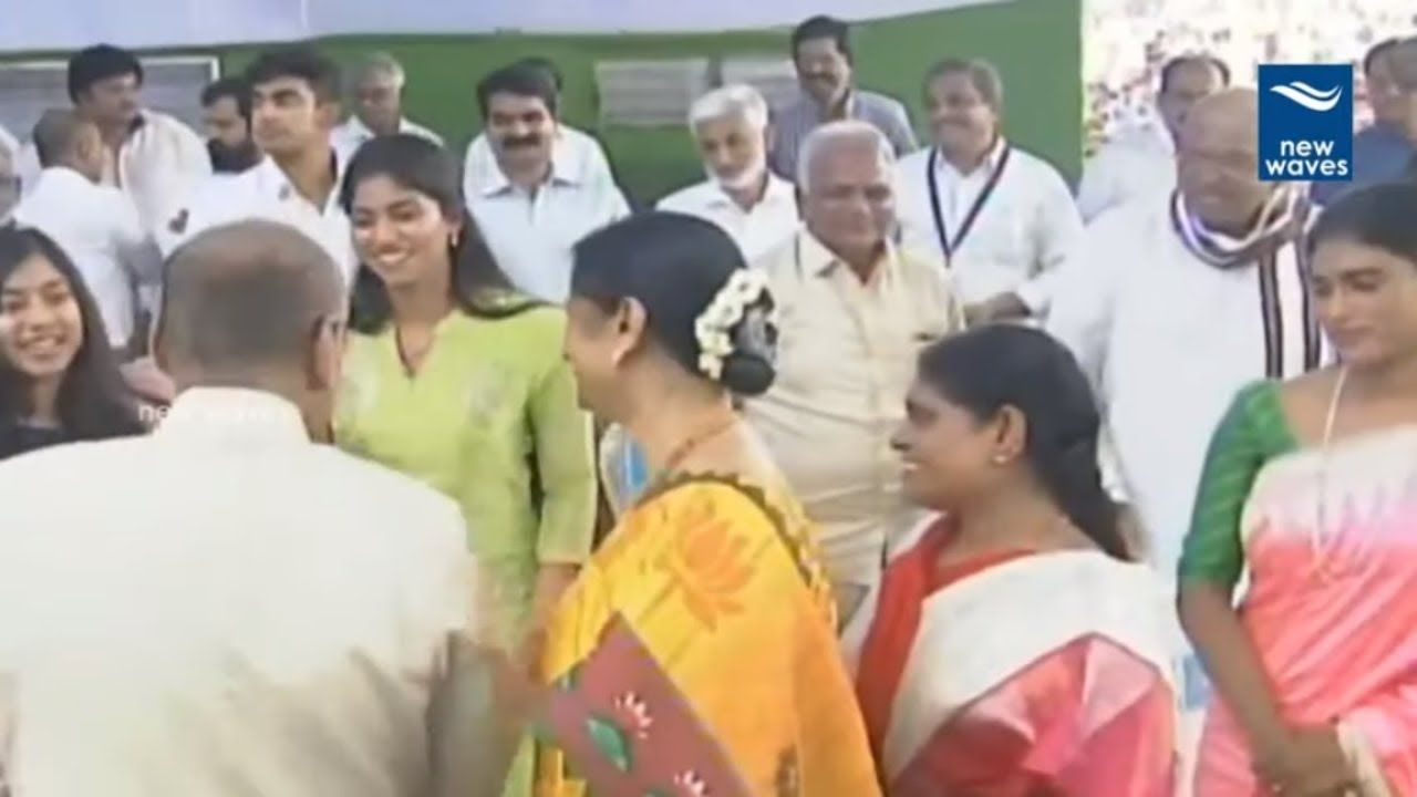 YS Jagan Daughter at His Oath Ceremony | ysrcp | Hats